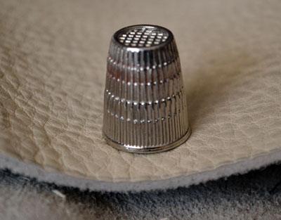 Наперсток для шитья кожи
