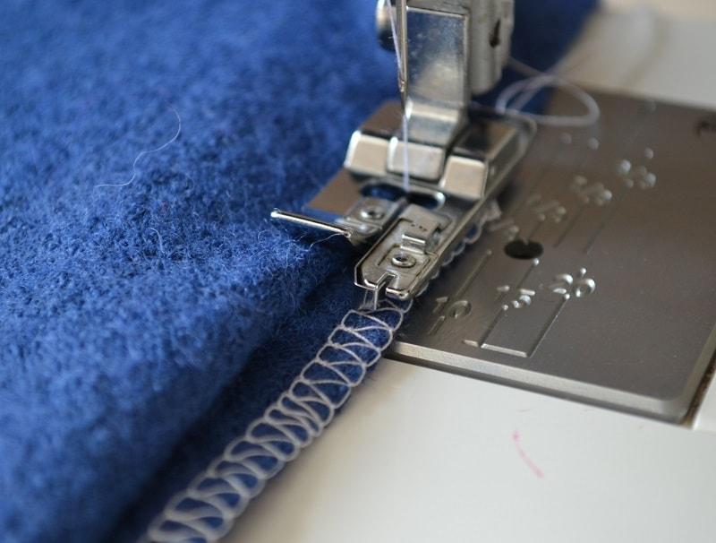 Выполнение потайной строчки на швейной машине