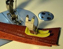 Тефлоновая лапка для пошива изделий из кожи