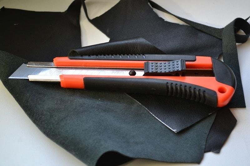 Нож для кроя натуральной кожи