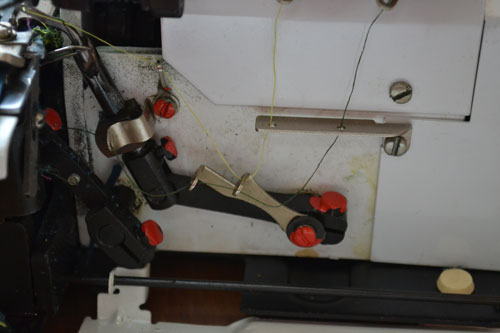 Схема заправки нитки в