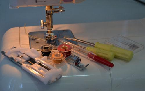 Инструменты и сменные лапки