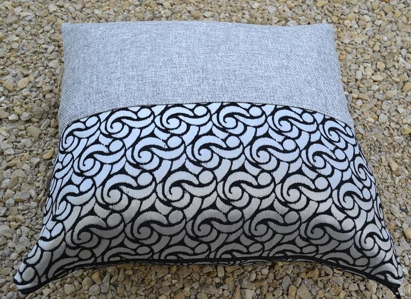 Обновляем диван: как сшить чехлы на диванные подушки 13