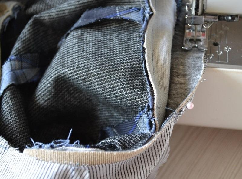 Сколите булавками подкладку с верхом кепки