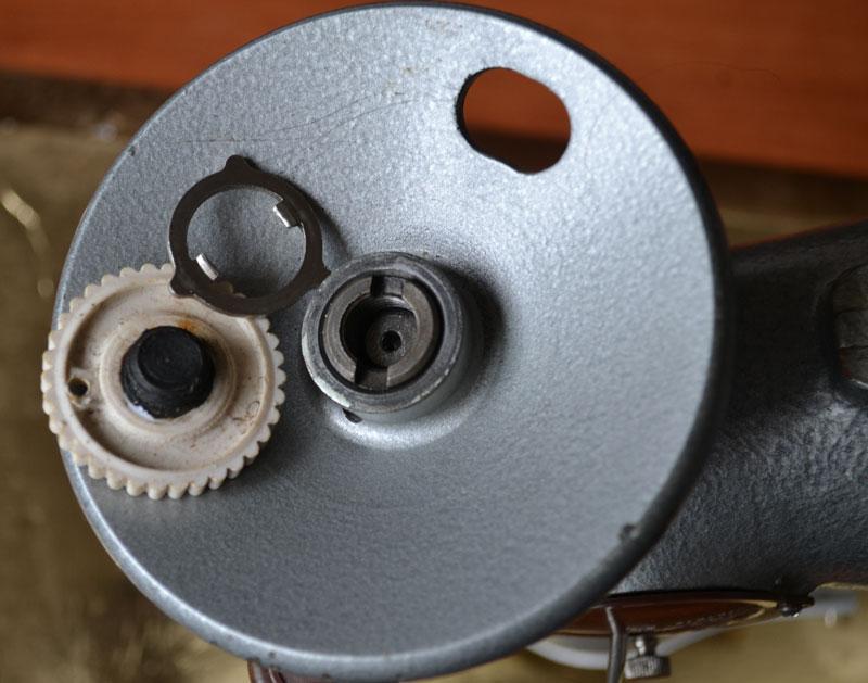 Почему ручная швейная машинка не шьет