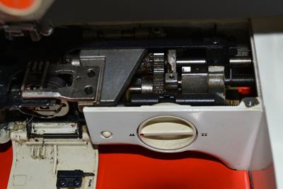 Устройство швейной машины, Настройка и ремонт швейной машины