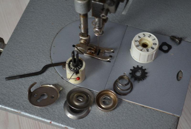 Как научится шить на швейной машинке чайка134а видео