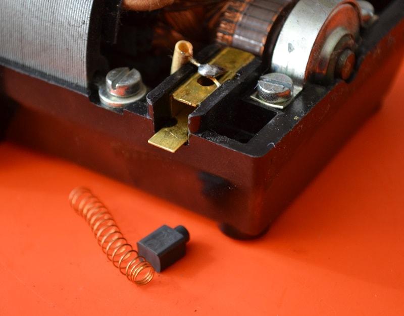 Замена щеток в электроприводе