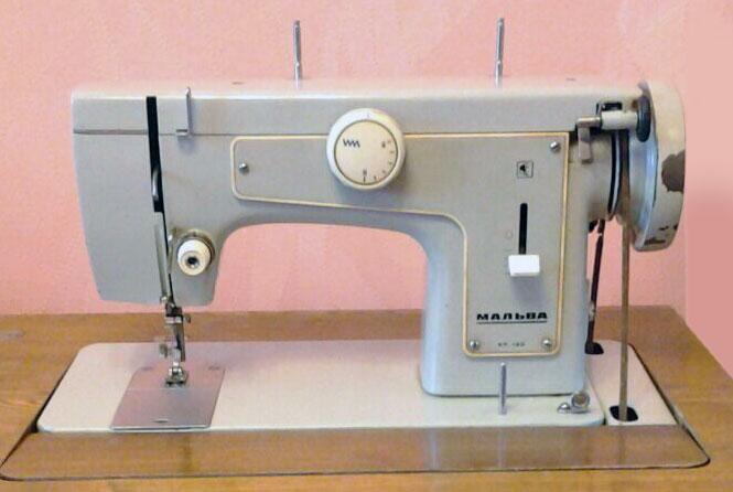 Старые модели швейных машинок - Malva