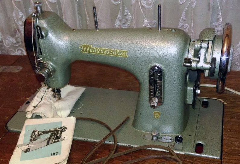 Старые модели швейных машинок - Minerva