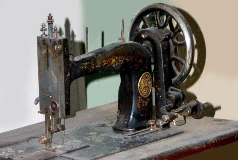 Старые модели швейных машинок - old Singer