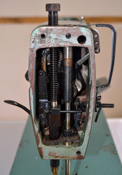 Фронтальная часть швейной машины 1022 класса