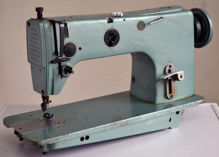 Промышленная швейная машина 1022 класса