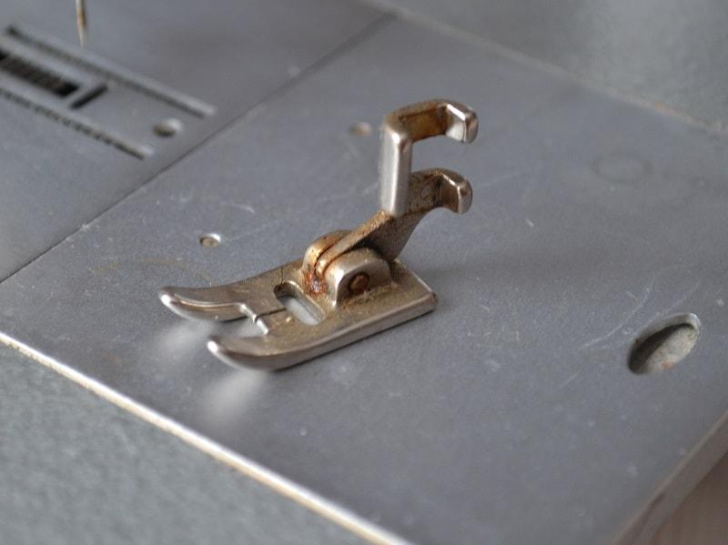 Лапки для швейной машины Чайка