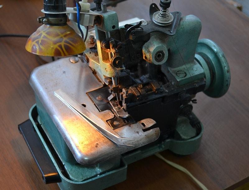 Инструкция и ремонт оверлока 51 класса