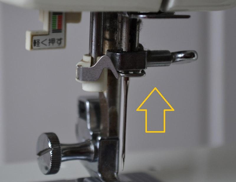 застряла игла в швейной машинке
