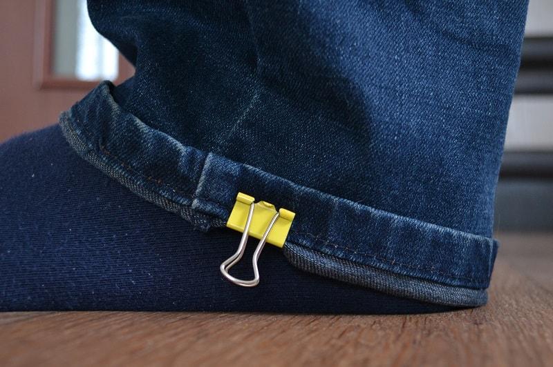 Линия низа штанины джинсов
