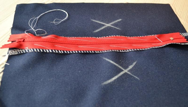Пришиваем молнию на швейной машине