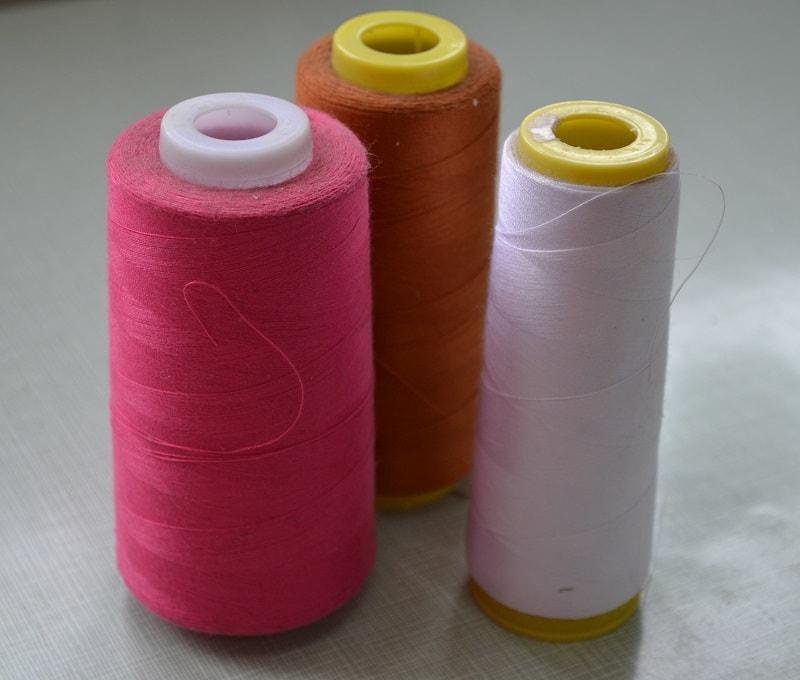Швейные нитки для оверлока