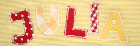 Накладные буквы на подушке