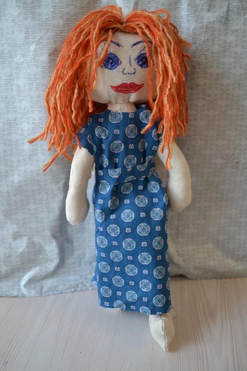 Платье для текстильной куклы тильда