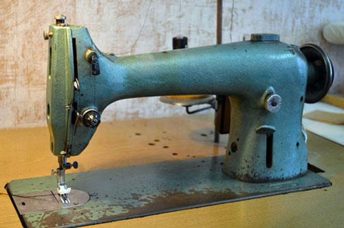 Швейная машина для пошива любых типов ткани