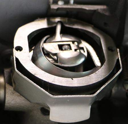 Настройка челнока швейной