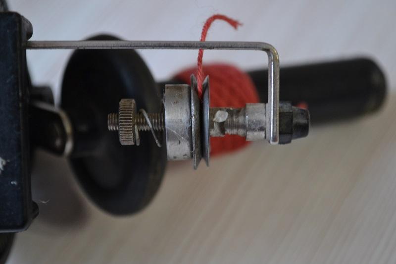 Регулятор натяжения пряжи